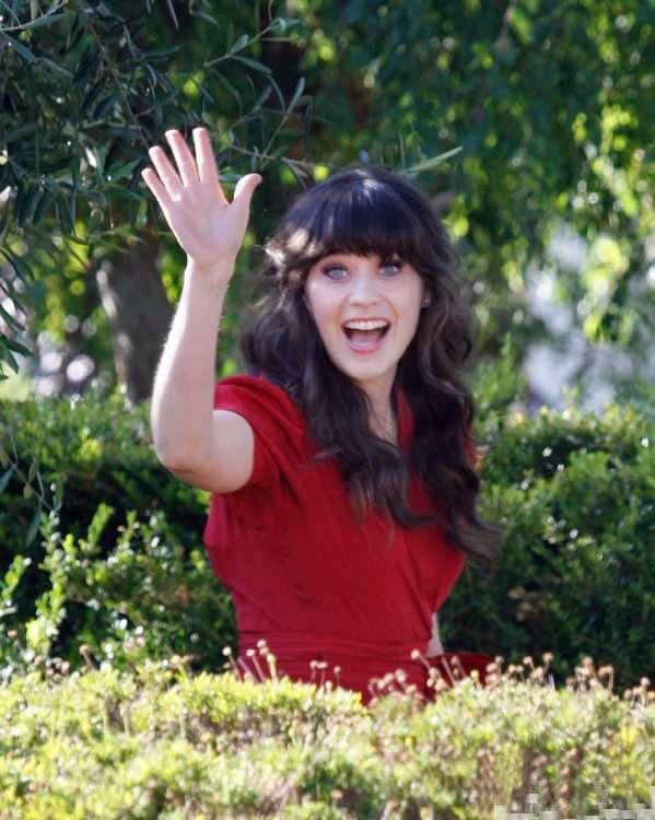 Как Вы уже все догадались зовут нашу очаровательную актрису - Кали Хоук