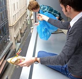 Оригинальная Бизнес-идея: бутерброды доставляемые на парашютах