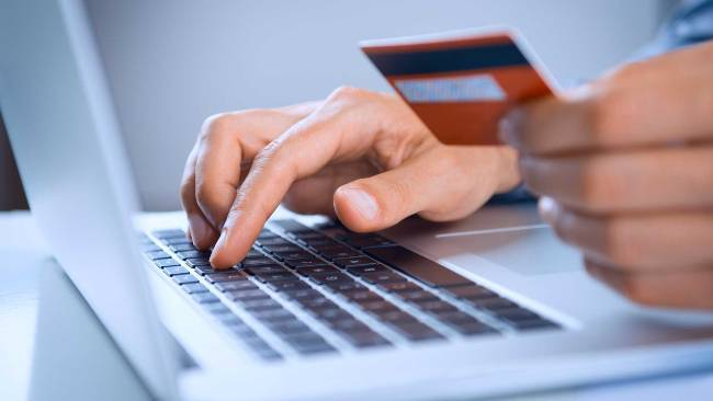 Как получить быстро деньги в кредит на карточку